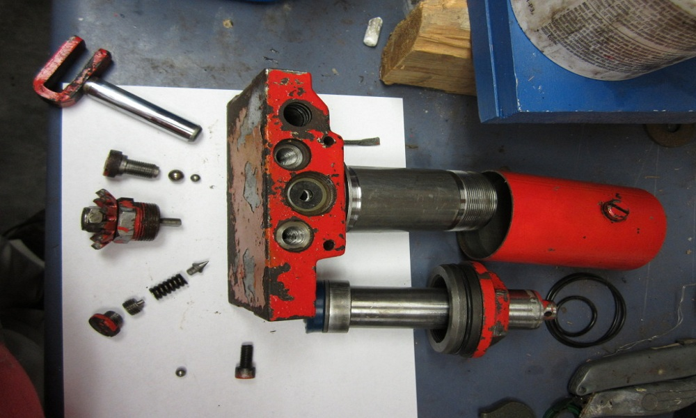 How to Rebuild a Floor Jack